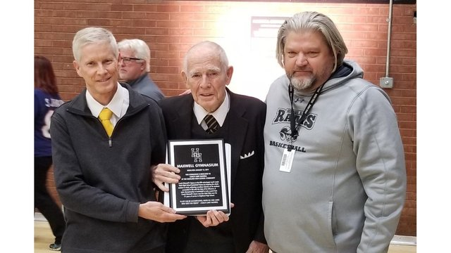 Highland High School renames basketball gym in honor of former coach Larry Maxwell