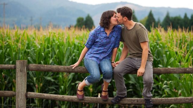 Kissing study shows difference in male and female brainwaves